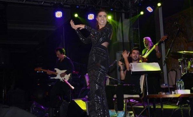 Tilbe'den Hayranlarına Üzücü Haber: ''Mayısa Kadar Konser Yapmayacağım''