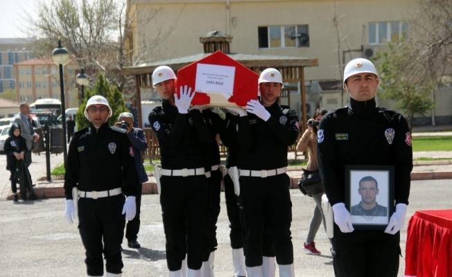 Trafik kazasında Şehit olan polis törenle uğurlandı!
