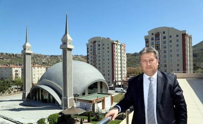 Farklı mimarisi ile Müşerref-İsmail Yapıcı Cami açılışa hazır!