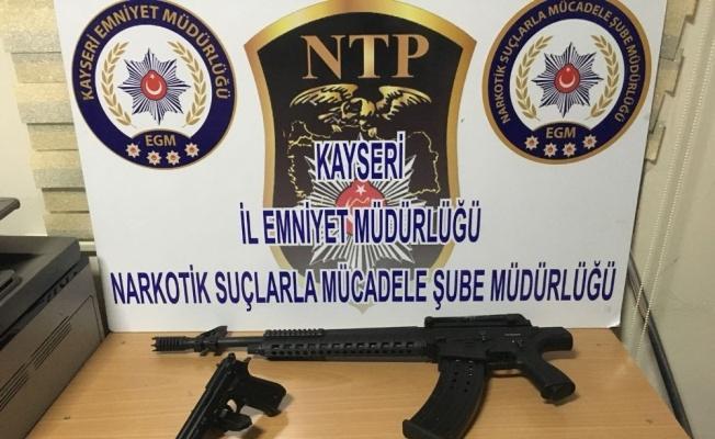 Uyuşturucu Satıcısı Kıskıvrak Yakalandı