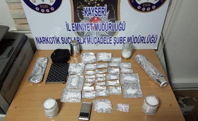 Saksıdan 578 gram uyuşturucu çıktı!