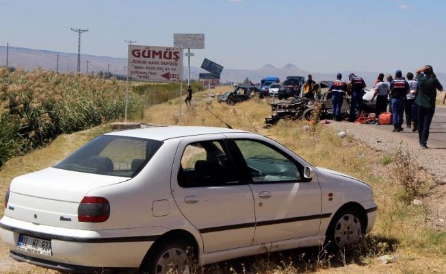Kayseri'de feci kazada  2 kişi öldü, 9 kişi yaralandı!