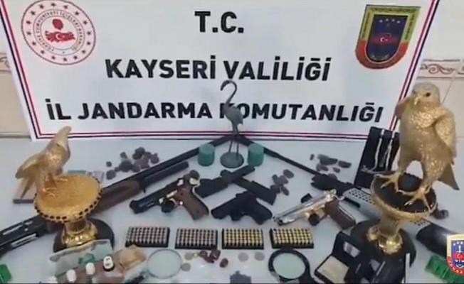 Kayseri'de 1 Milyon Euro değerinde 2 Altın heykel ele geçirildi!