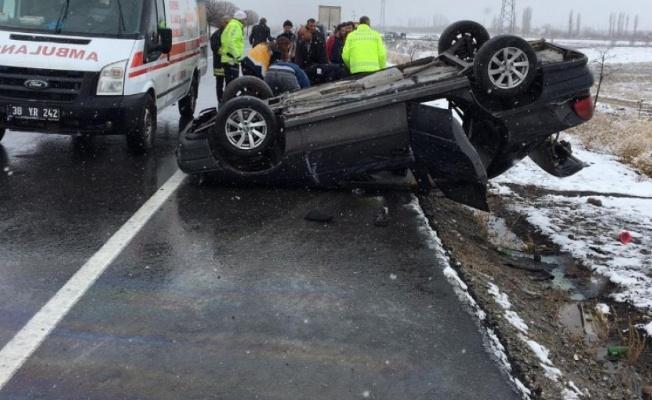 Otomobil takla attı: 3 Yaralı!