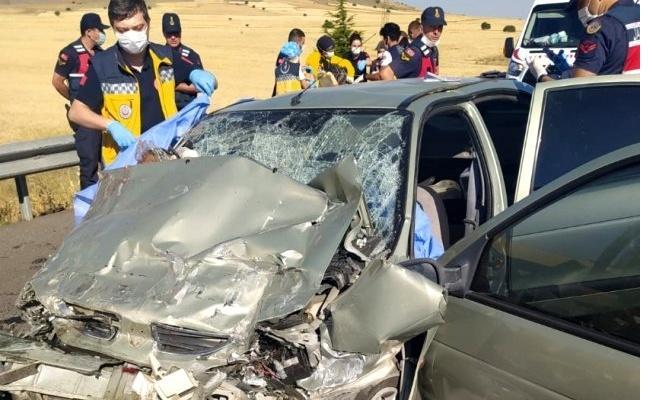 Kayseri-Ankara karayolunda trafik kazası: 3 ölü!