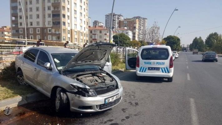 Otomobil yan yattı: 1 yaralı