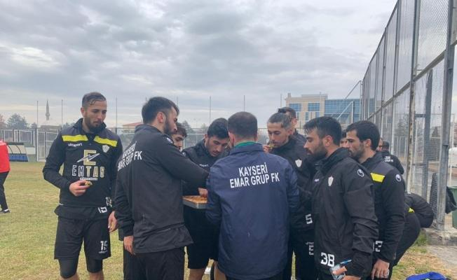 Kayseri Emar Grup FK tempoyu artırdı