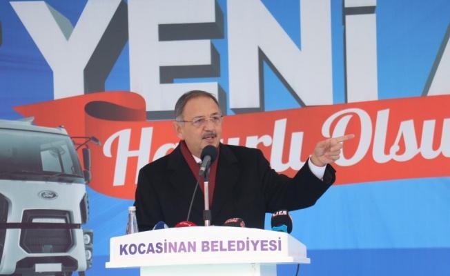 """AK Parti Genel Başkan Yardımcısı Mehmet Özhaseki, """"400-500 dükkan yıktık"""""""