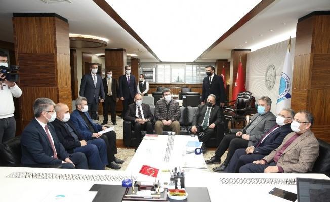 Özhaseki'den Başkan Büyükkılıç'a ziyaret