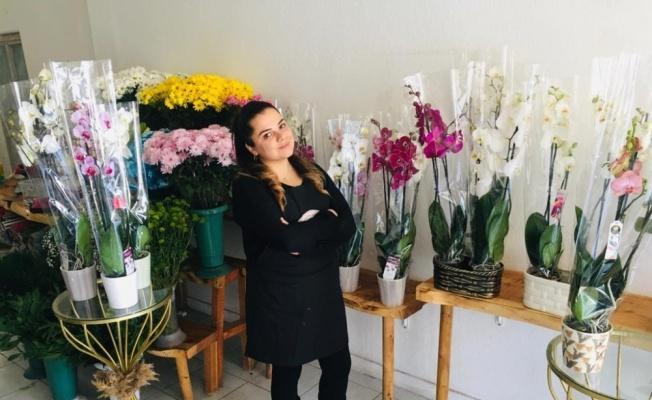 Tomarza'da çiçekçiler 14 Şubat'a hazır