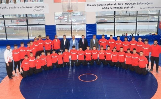 Kayserili güreşçiler Türkiye Şampiyonası'na hazır