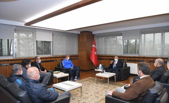 Kayserispor'un yeni hocası Hamza Hamzaoğlu, Başkan Büyükkılıç'ı ziyaret etti