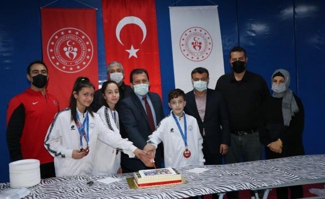 Taekwondocuların zafer kutlaması