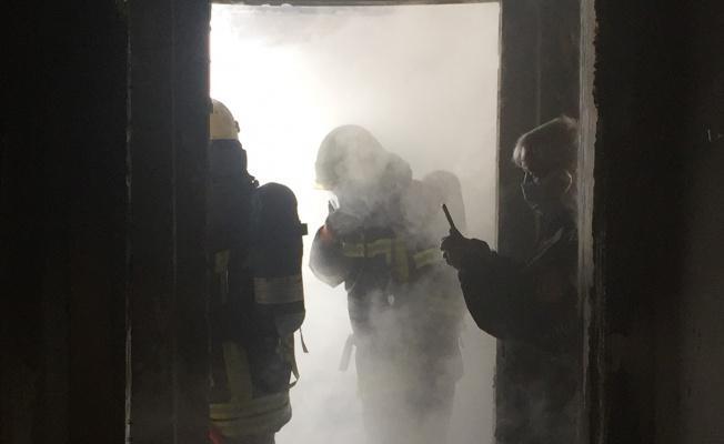 Binanın 8. katında yangın çıktı!
