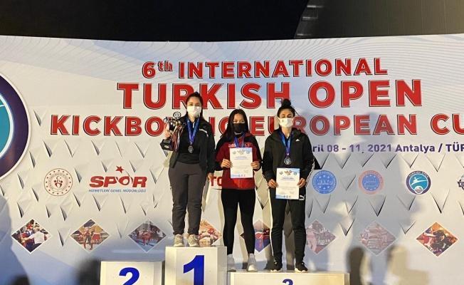 Kayserili Kickboksçular Antalya'dan 20 madalya ile döndü