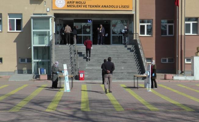 MSÜ sınavı Kayseri'de koronavirüs tedbirleri çerçevesinde başladı