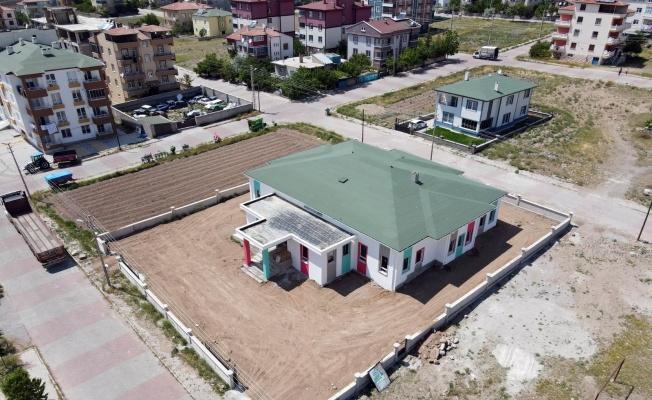 Develi'de yurt ve okul inşaatları devam ediyor
