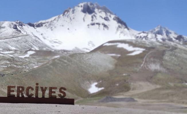 Erciyes'e 'mayıs' karı