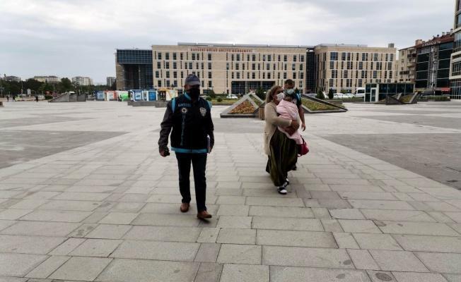 Evlerden 230 bin TL'lik altın çalan kadınlar yakalandı