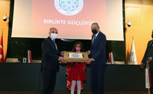 'İstiklal Marşı'nı Güzel Okuma Yarışması' ödülleri sahiplerini buldu