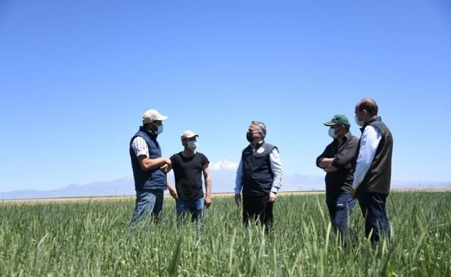 Kayseri'de 30 yıldır kullanılmayan araziler tarıma kazandırıldı