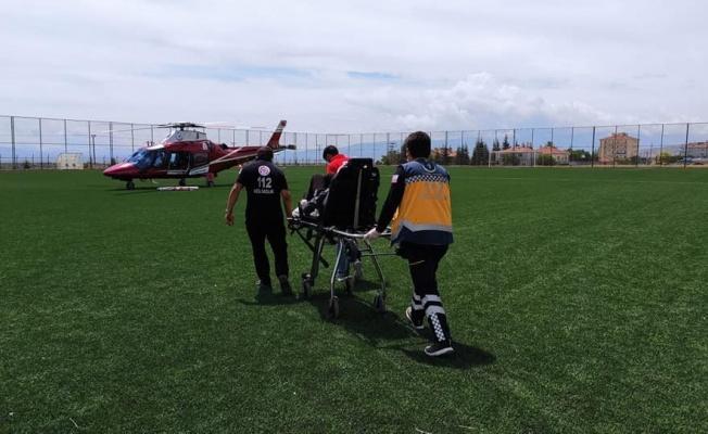 Solunumu duran hasta hava ambulansı ile merkeze sevk edildi