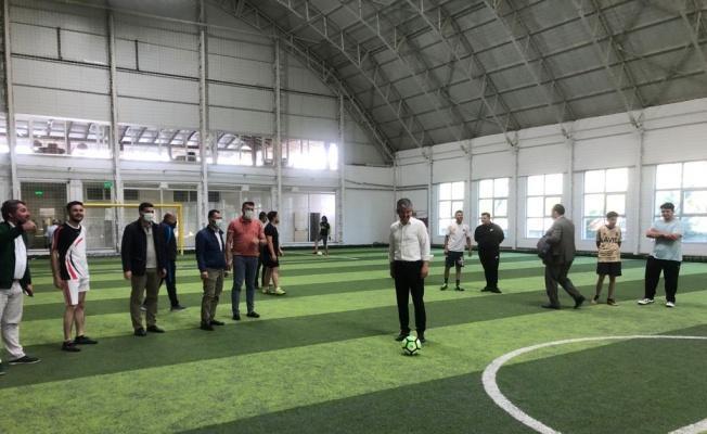AK Gençlik spor faaliyetlerinin ilk vuruşunu Başkan Çopuroğlu yaptı