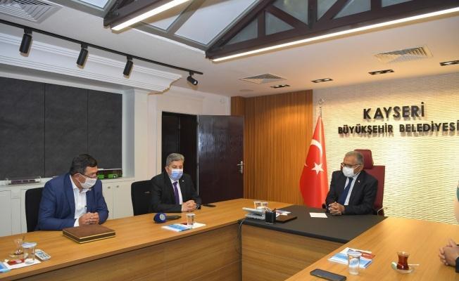 Başkan Büyükkılıç'a Ziraat Odalarından teşekkür plaketi