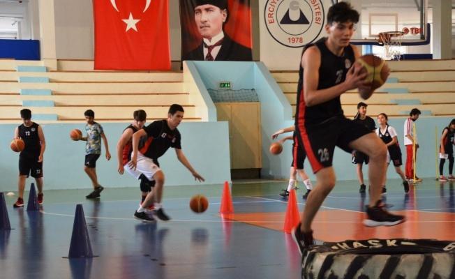 Basketbol Gençlik ve spor Kulübü'nde antrenmanlar tekrar başladı...
