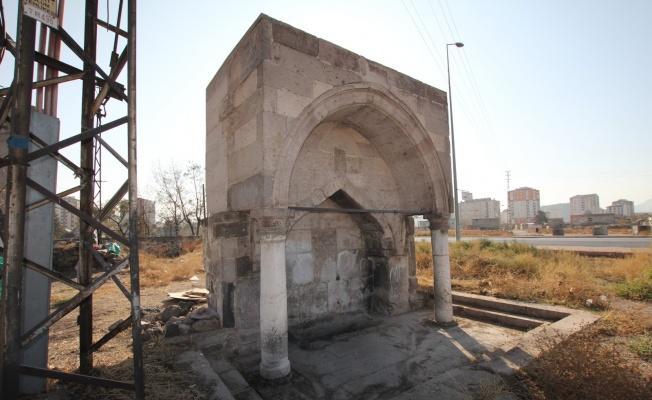 Tarihi Hacı Kasım Çeşmesi Melikgazi korumasında