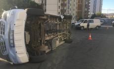 Kayseri'de öğrenci servisi devrildi: 6 yaralı!
